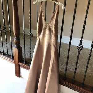 De Laru gold evening/prom dress size 7/8.